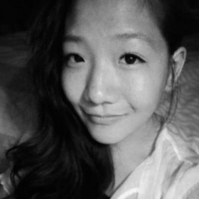Victoria Lee Headshot