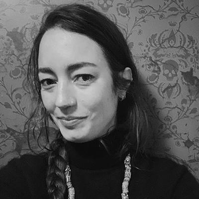 Zenyi Hunsberger Headshot