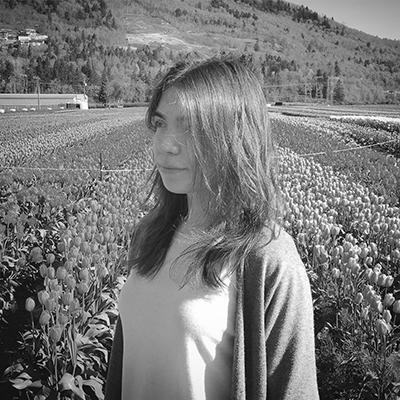 Camila Szefler Headshot